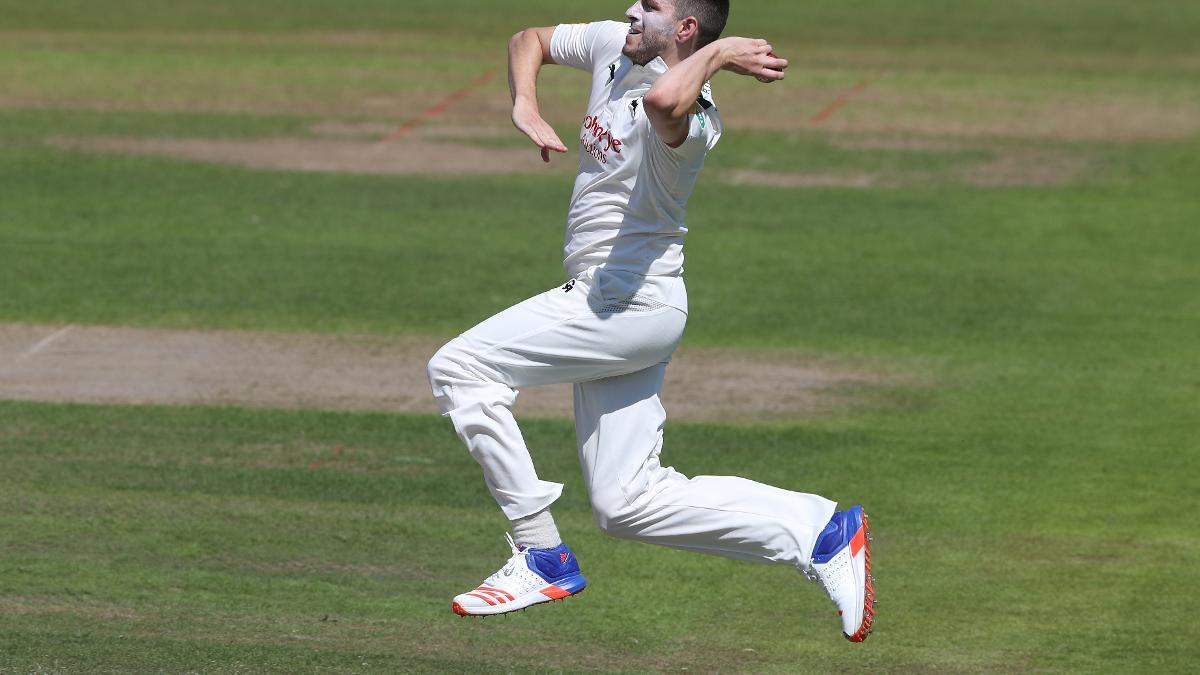 Harry Gurney fires for Nottinghamshire