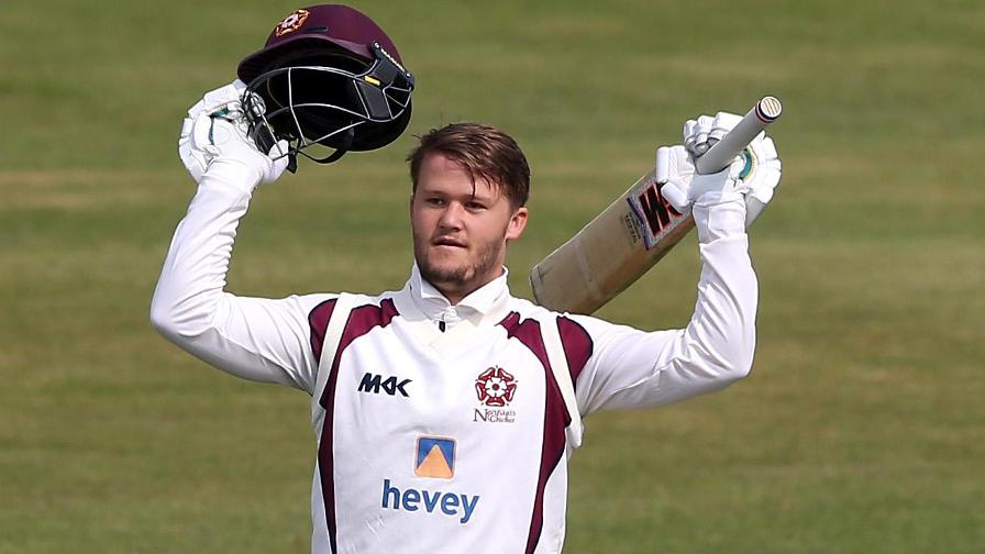 Fans vote Duckett as best championship batsman