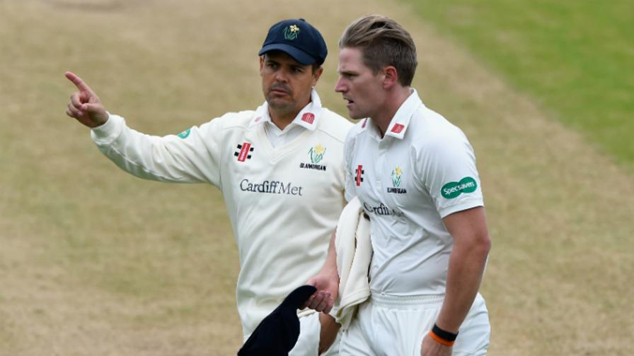 Glamorgan poised to complete victory