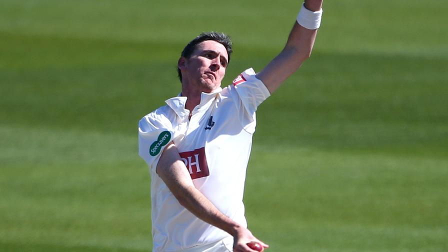Magoffin ten slows up Worcestershire