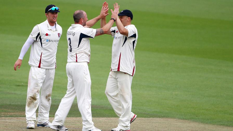 Essex on the ropes as Kent take charge
