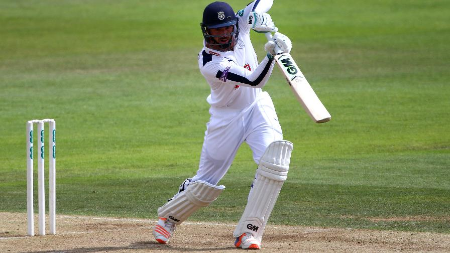 Hampshire start strong in survival quest