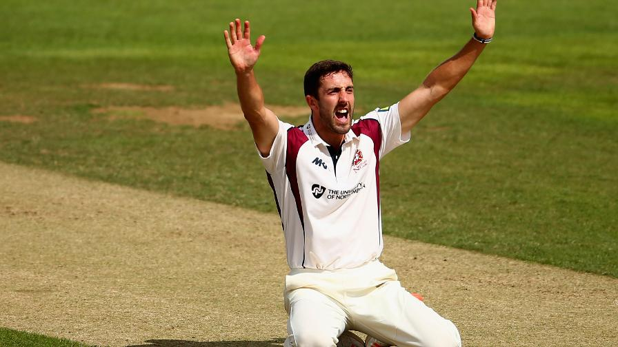 Sizzling Sanderson seals Northants win