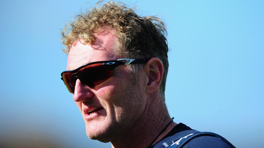 Dougie Brown leaves Warwickshire