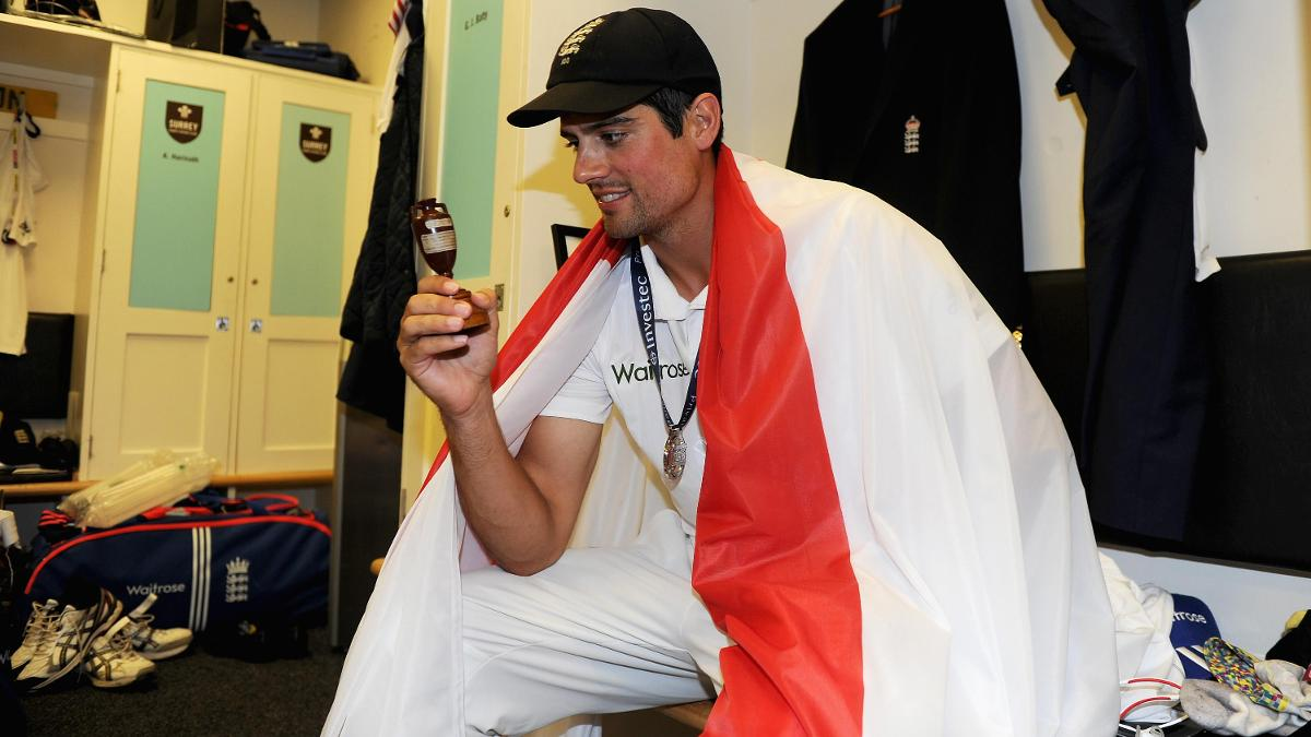 Alastair Cook with the Ashes urn following the 2015 series win
