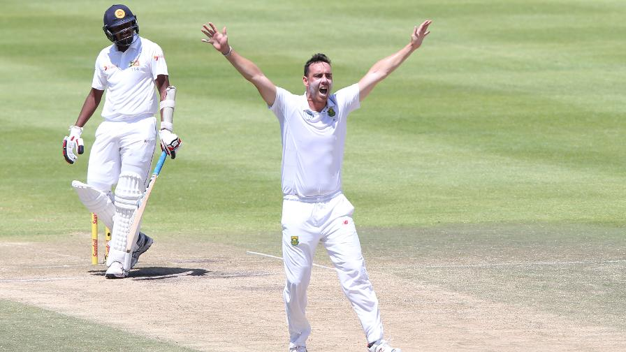 Hampshire sign Kyle Abbott and Rilee Rossouw