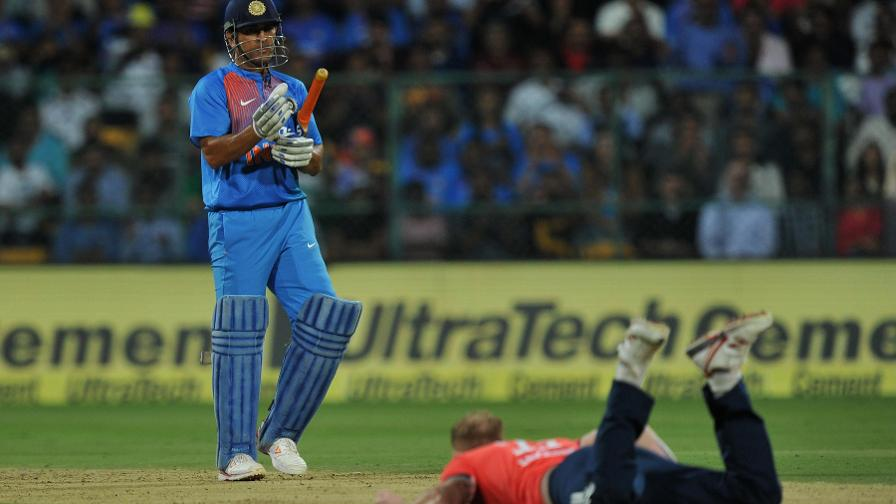 MS Dhoni left Ben Stokes grounded during his 56 from 36 balls