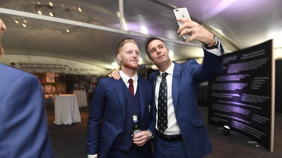 Cheeky selfie?