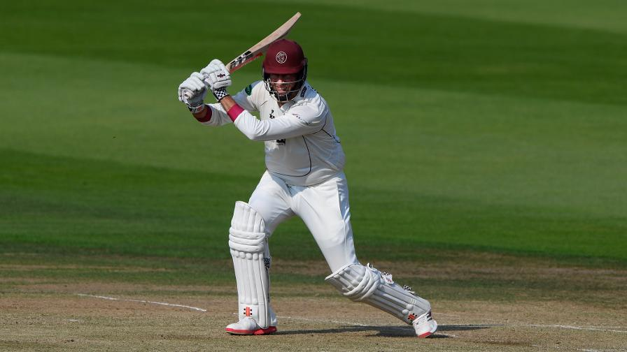 Div One: Trescothick puts Somerset on brink