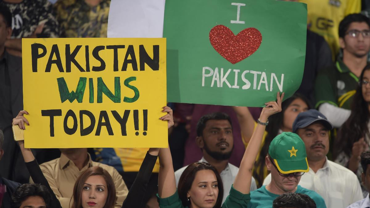 The Lahore fans welcome back cricket to Pakistan