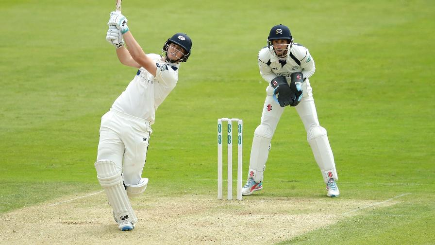 Lees challenges Middlesex to repeat title feat