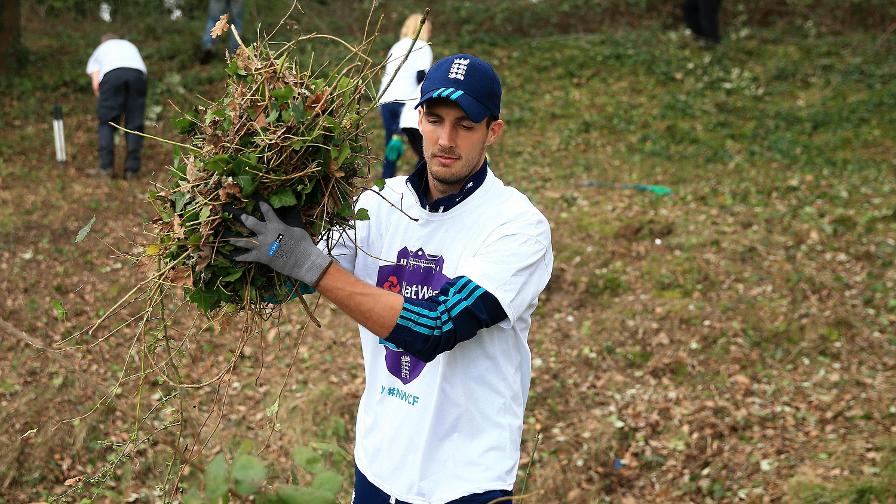 England and Middlesex bowler Steven Finn was on hand to help with the NatWest CricketForce efforts