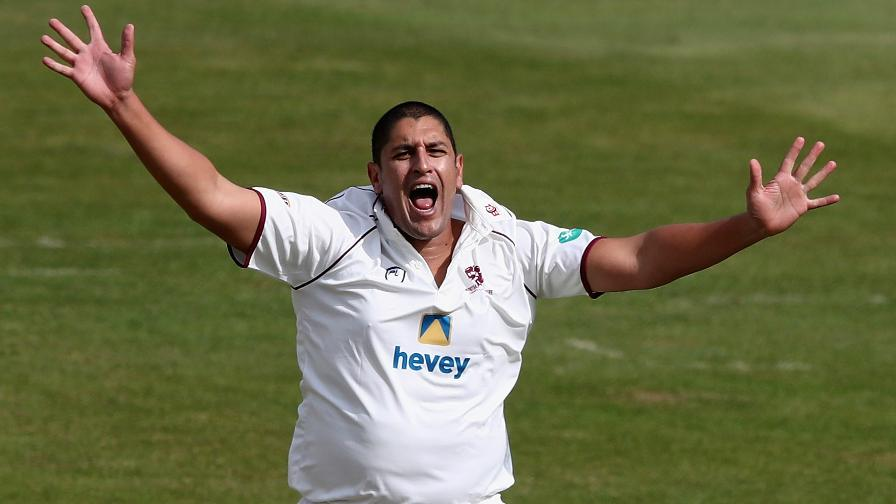 Destructive Kleinveldt blows away Glamorgan