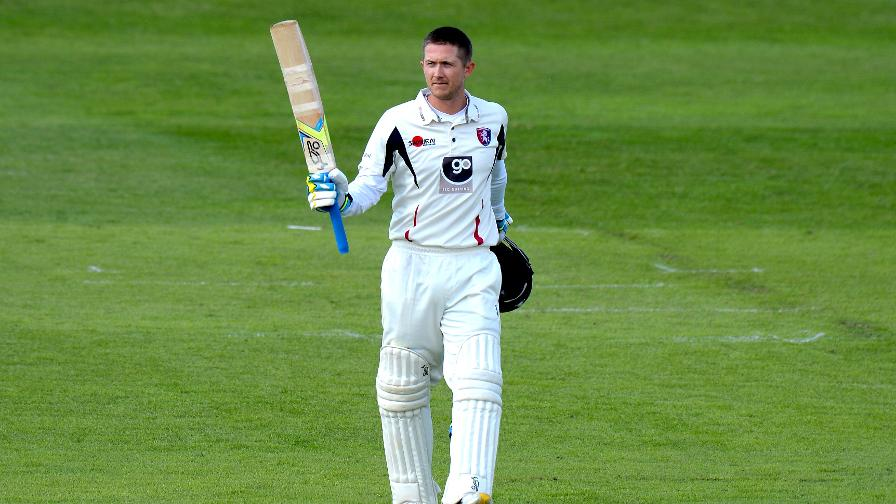 Denly leads Kent's recovery