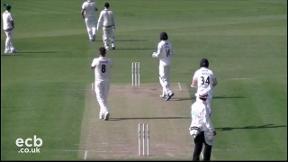 Kent v Gloucestershire - Day 2 Highlights
