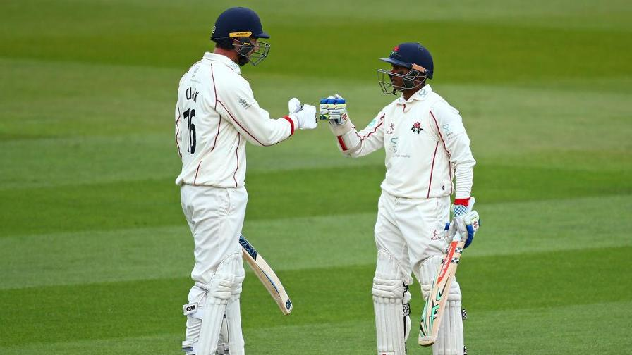 Clark and Chanderpaul lead Red Rose resistance