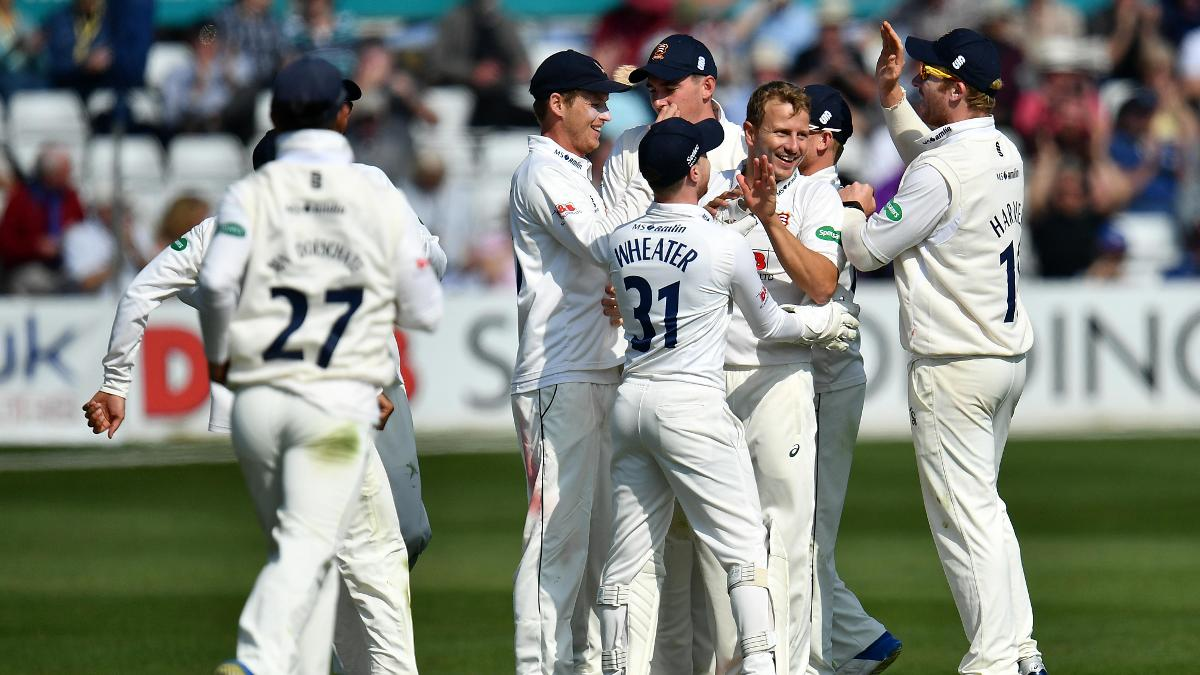 Neil Wagner starred for Essex on Day Two claiming 6-48