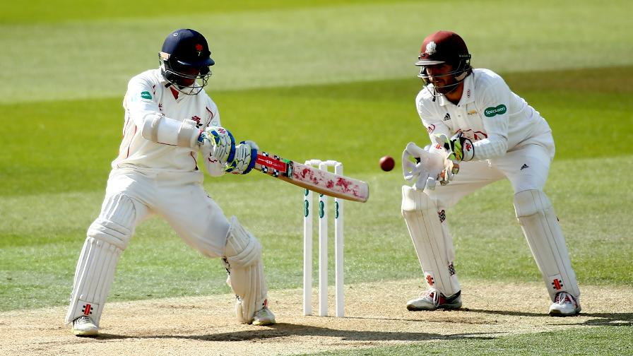 Chanderpaul puts Lancashire in strong position