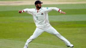Highlights - Lancashire v Surrey Day 1