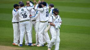 Highlights - Warwickshire v Yorkshire Day 3