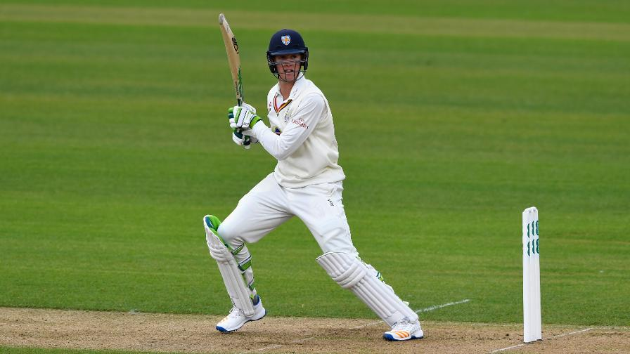 Jennings and Cook help Durham reel in Gloucs lead