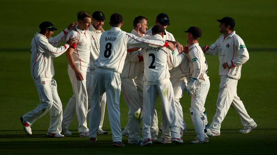 Lancs complete stunning comeback win