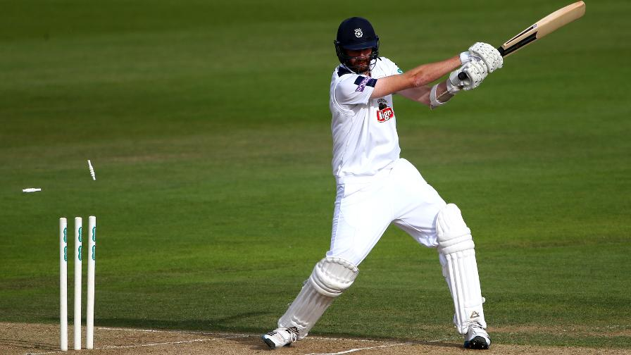 Hampshire suffer day two despair at Chelmsford