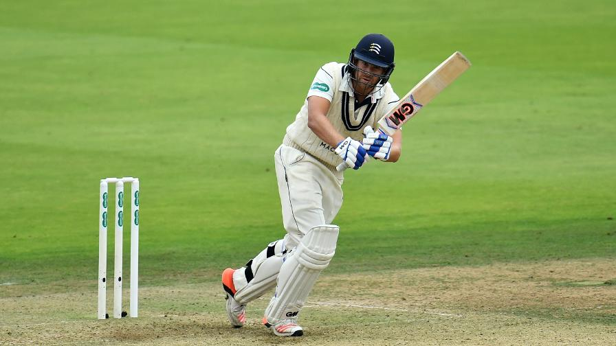 Middlesex fight back through Malan ton