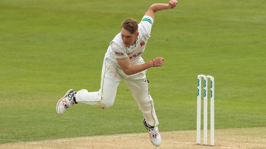 Essex go top with Hampshire win