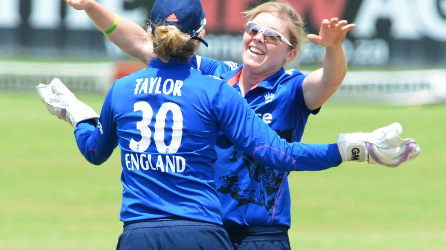 Knight and Taylor included in World Cup squad