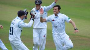 Highlights - Nottinghamshire v Derbyshire Day 1