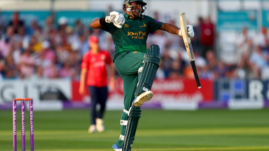 Outlaws win thriller to seal Lord's place
