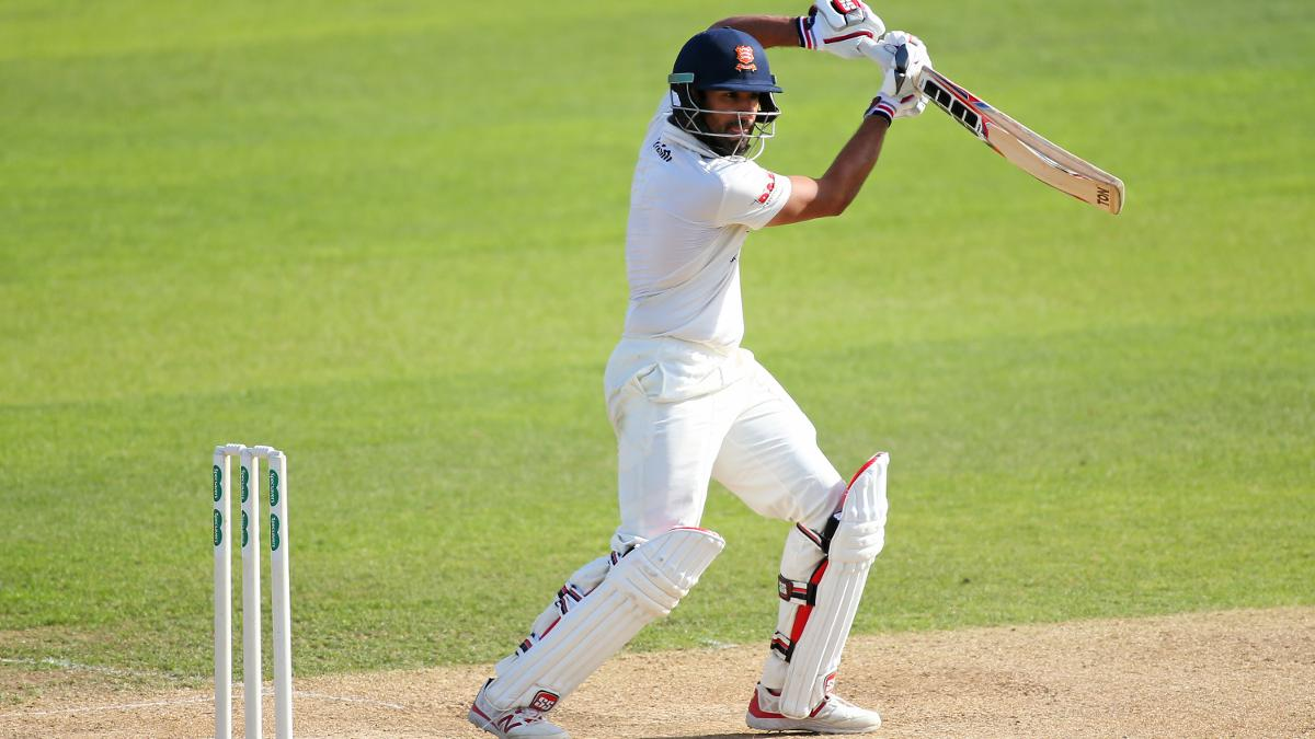 Ravi Bopara makes the most of the warm conditions as he reaches close of Day One unbeaten on 84