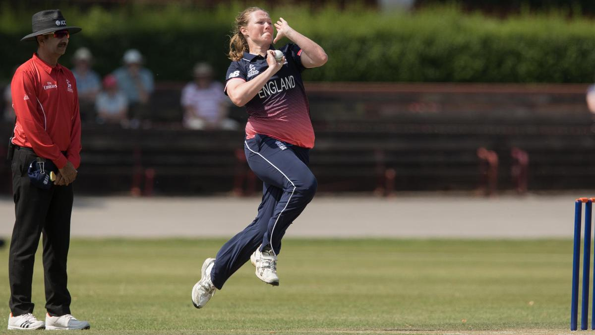 Anya Shrubsole picked up three wickets as Sri Lanka were bowled out for 155