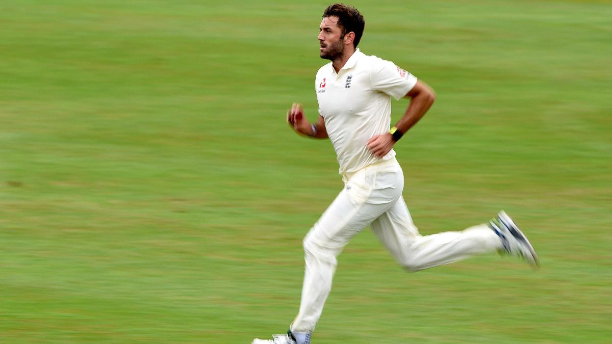 LIam Plunkett steams in during the second day at Worcester