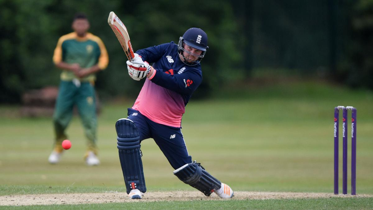 Dan Bowser reached his fifty off just 32 balls and finished on 84 not out