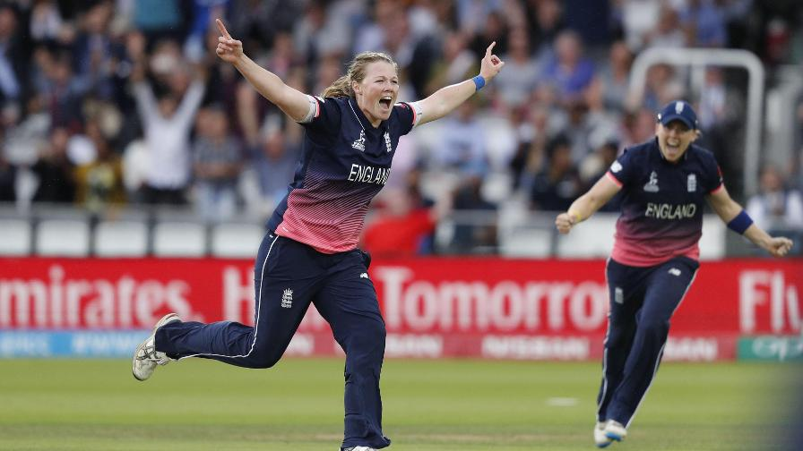 Anya Shrubsole nominated for BBC Sports Personality of the Year 2017