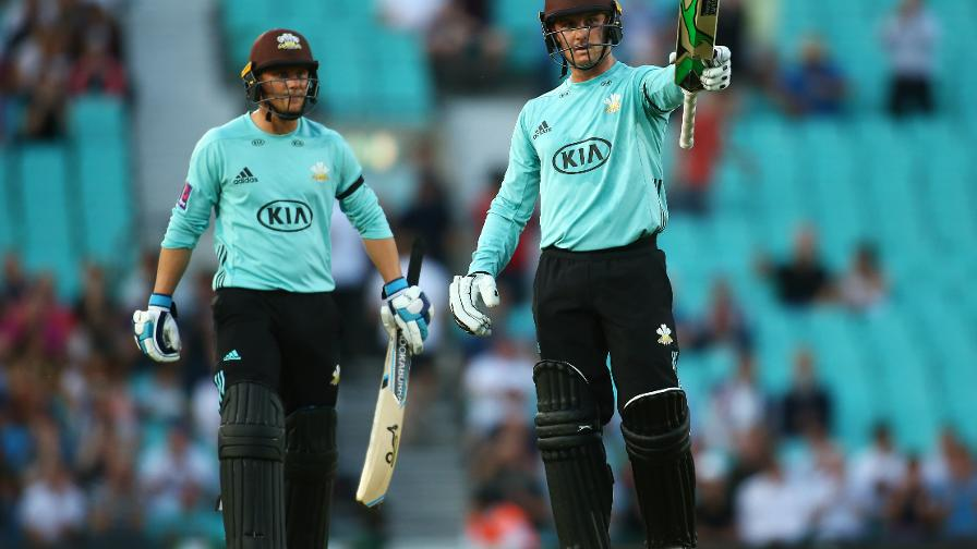 ROY OH ROY - Jason smashed a sublime 74 to get Surrey off to a flier