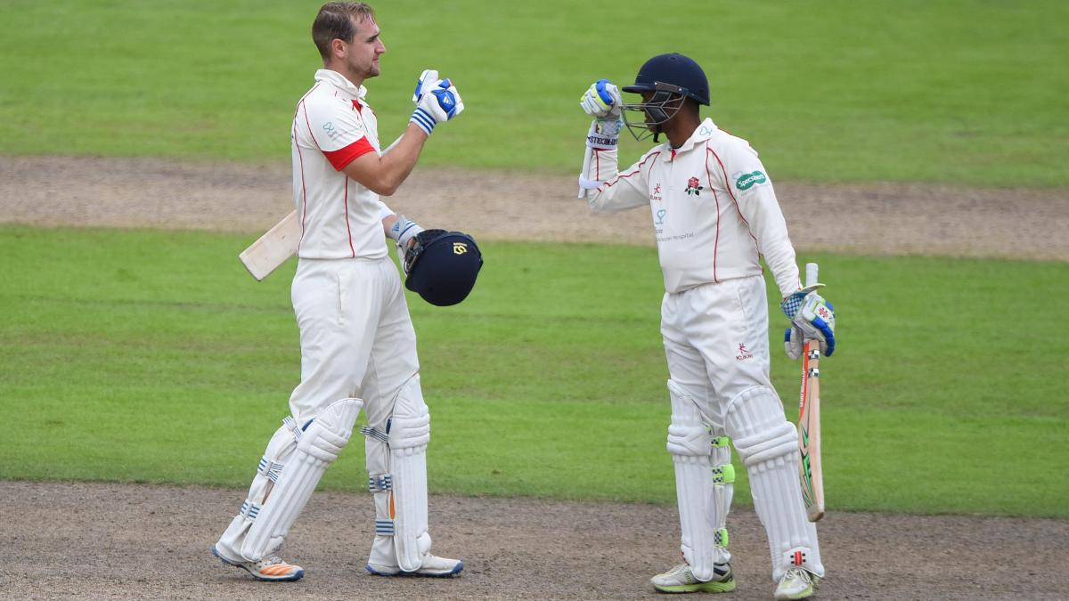 DYNAMIC DUO - Shivnarine Chanderpaul & Liam Livingstone shared a partnership of 211 against Warwickshire