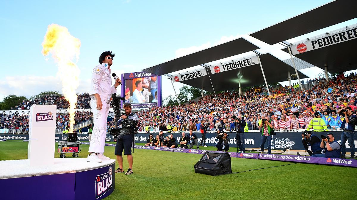 Freddie Flintoff and Bumble entertain the NatWest T20 Blast Finals Day crowd