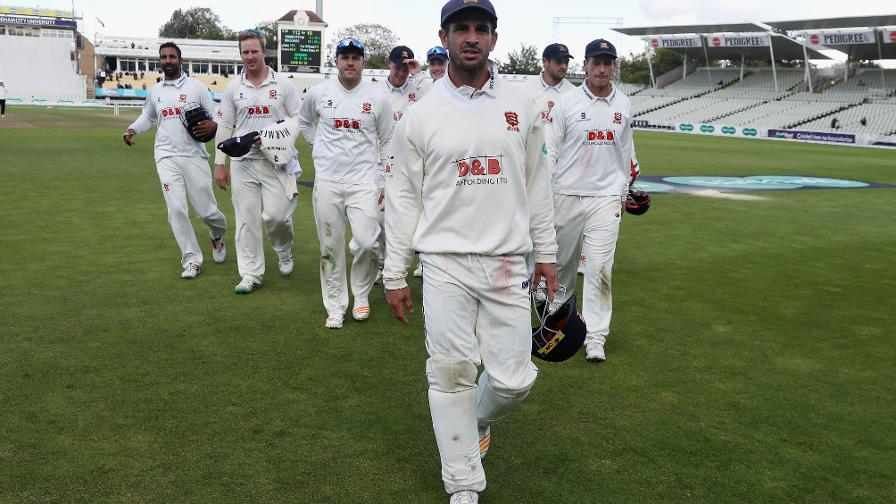 Div One: Rampant Essex on brink of title