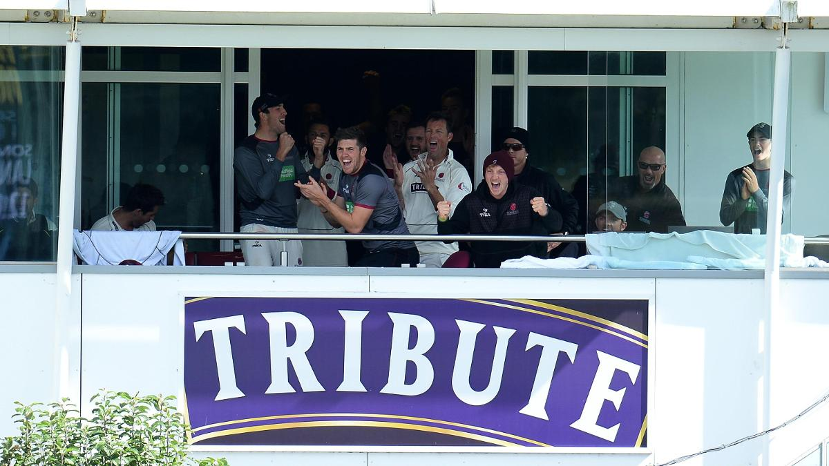 A TRIBUTE TO SOMERSET - They celebrate after beating Lancashire by seven wickets