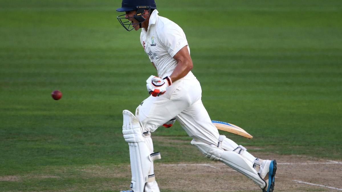 Kiran Carlson helped Glamorgan from their sticky spell with a batting masterclass