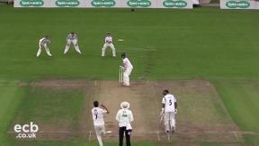 Highlights - Yorkshire v Warwickshire Day 1