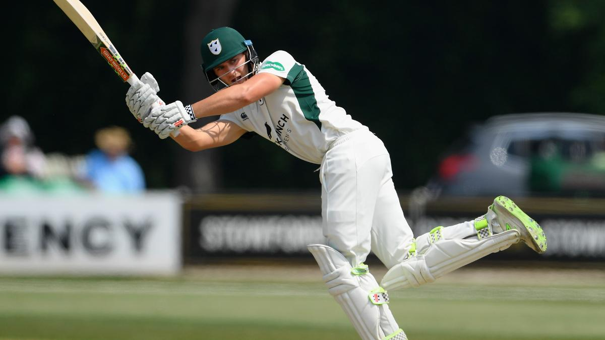 Joe Clarke makes an unbeaten run-a-ball 46 before bad light stops play as Worcestershire seek promotion