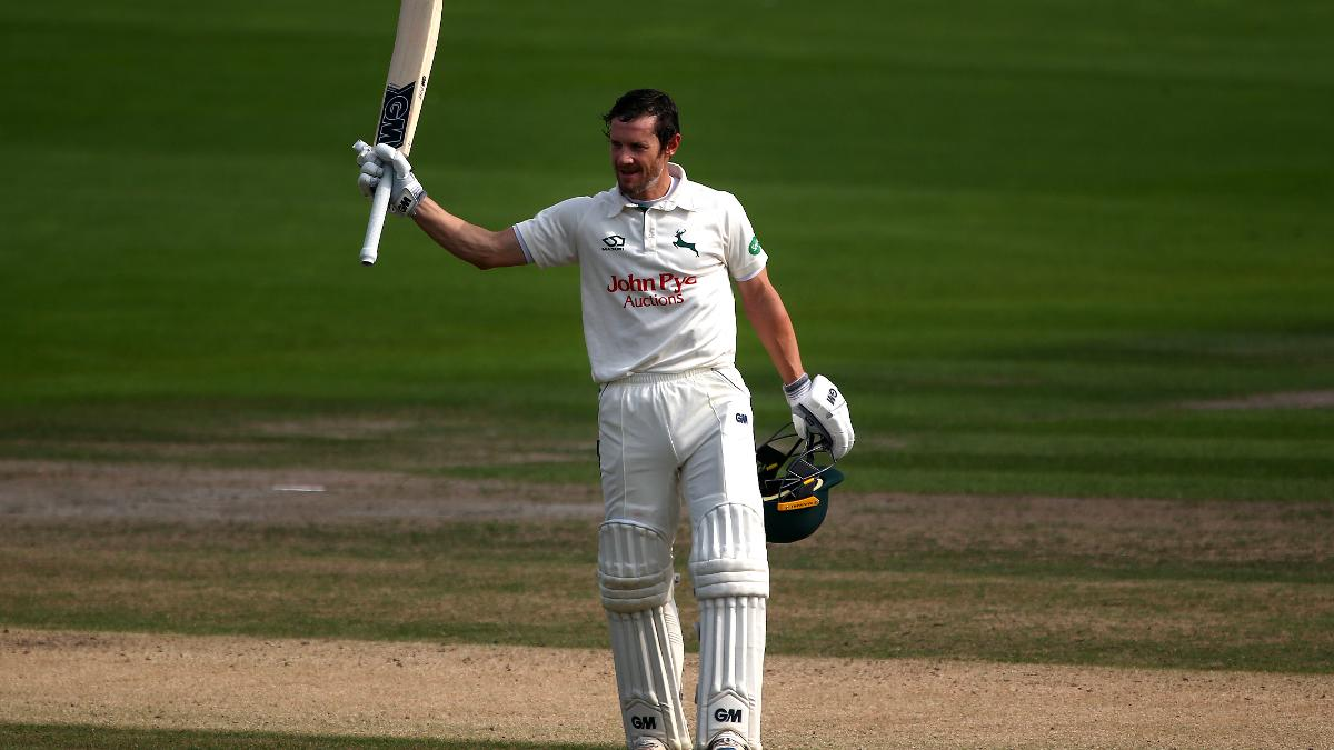 A familiar sight for Notts watchers as Chris Read raises his bat once again after a tremendous innings