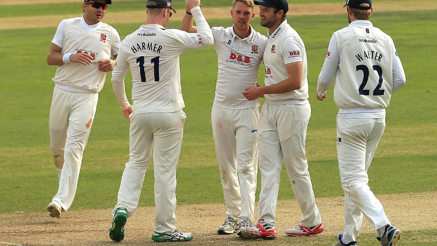 Div One: Essex complete unbeaten season
