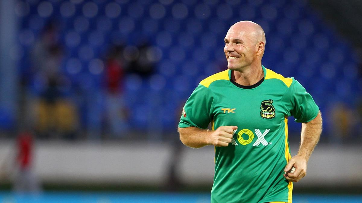 Paul Nixon coaching Jamaica Tallawahs in the CPL