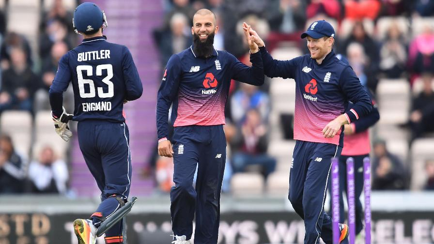 Royal London extends partnership with ECB