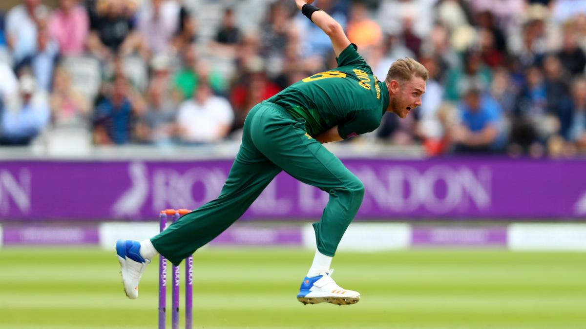 Stuart Broad in action during the Royal London One-Day Cup final